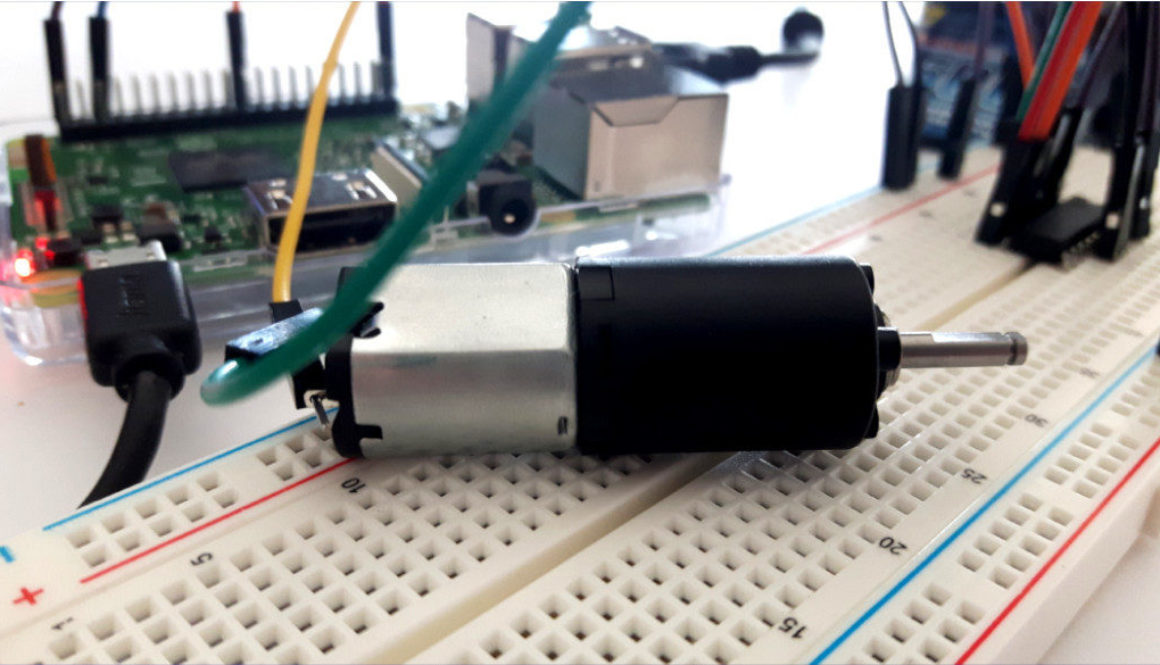 Raspberry Pi DC Motor L293D Steuerung Breadboard 1